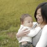 赤ちゃんの紫外線対策で日焼け止めは必要?散歩するときの注意点。