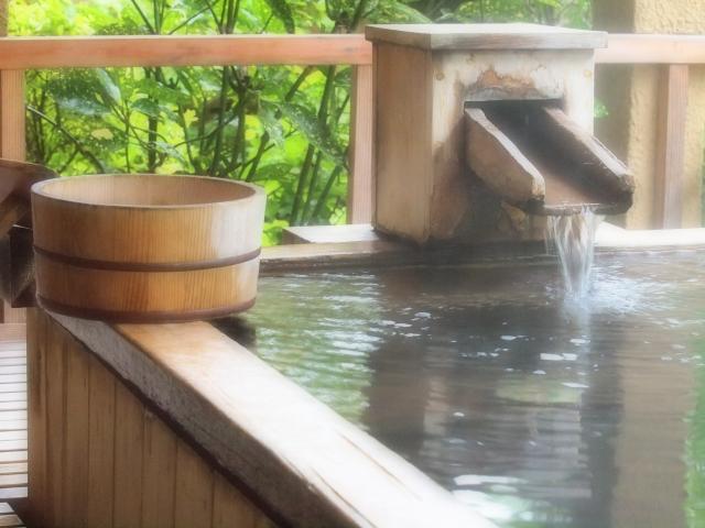 赤ちゃんは温泉に何ヶ月から入れる?成分など注意したいこと。